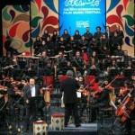 تصاویر اجرای ارکستر تهران در جشنواره فجر