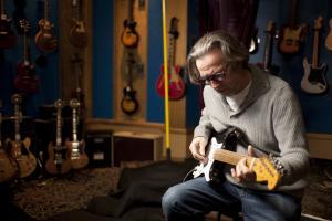 بلیکی گیتار اریک 10 گیتار گران قیمت دنیا با دستان چه کسانی نواخته شده است