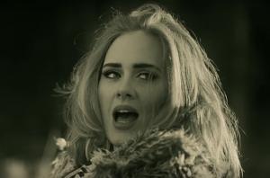 adele hello vid still 2015 billboard 650 d پیش بینی فروش بیش از 2 میلیون نسخه از آلبوم جدید ادل در هفته اول