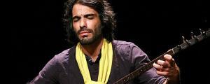 علی قمصری بیزمانی را در تهران و مهمانی کوچک را در شهرستانها اجرا میکند علی قمصری بیزمانی را در تهران و مهمانی کوچک را در شهرستانها اجرا میکند