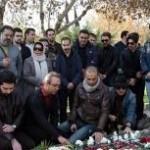 گزارش تصویری از حضور جمعی از هنرمندان موسیقی در مزار بابک بیات