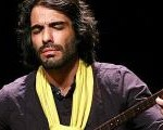 علی قمصری بیزمانی را در تهران و مهمانی کوچک را در شهرستانها اجرا میکند